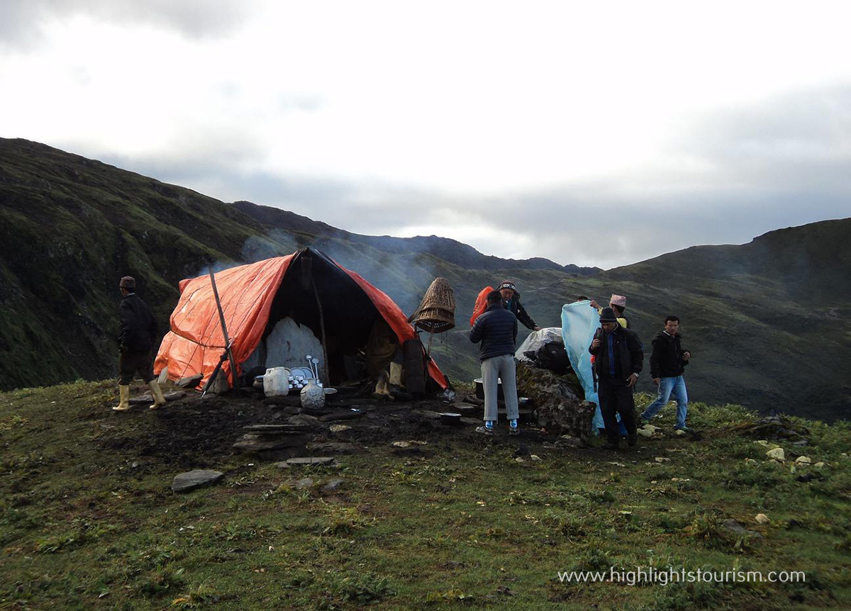 tent camps at Timpung pokhari