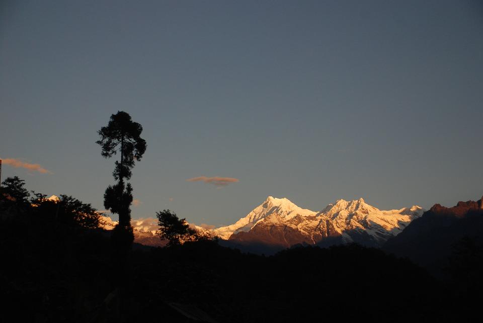 sunset at kanchenjung