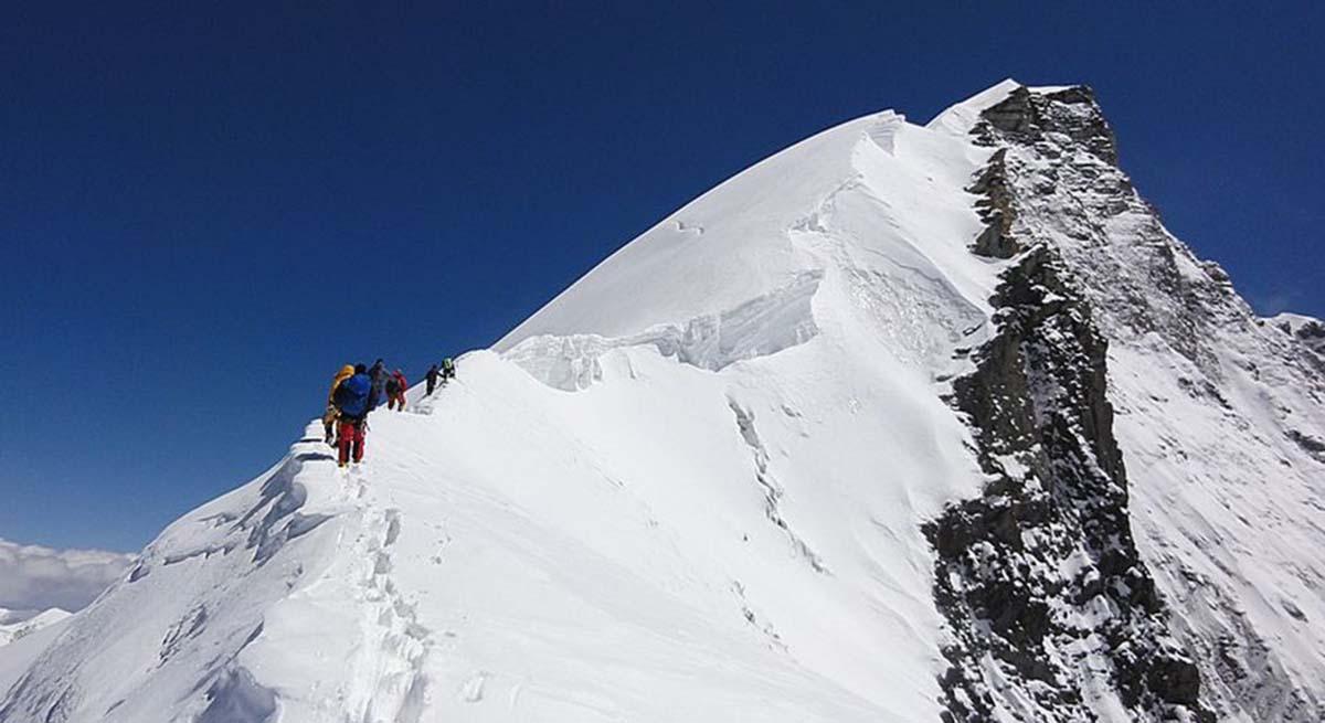 Himlung peak