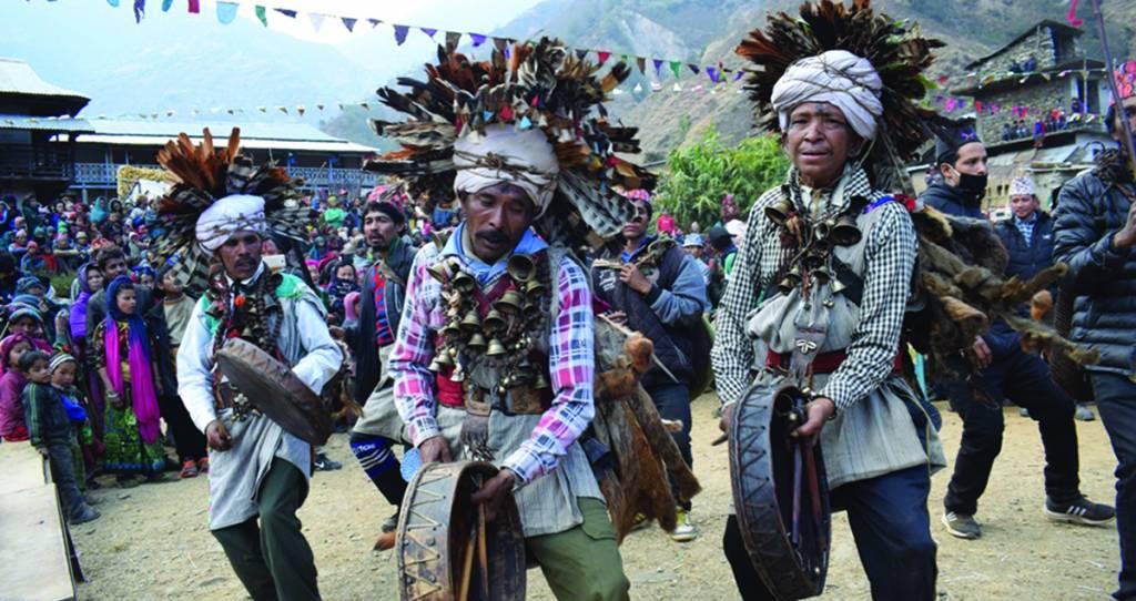 Dancing Shamans nin Rolpa, Culture of Kham Tribe