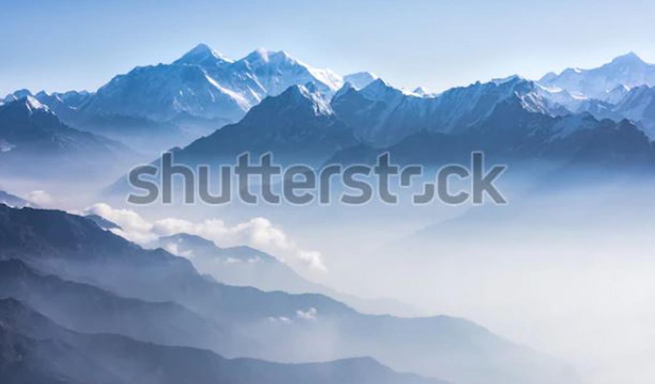 Lhotse peak scene