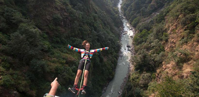 Bungy-jumping at Bhotekoshi