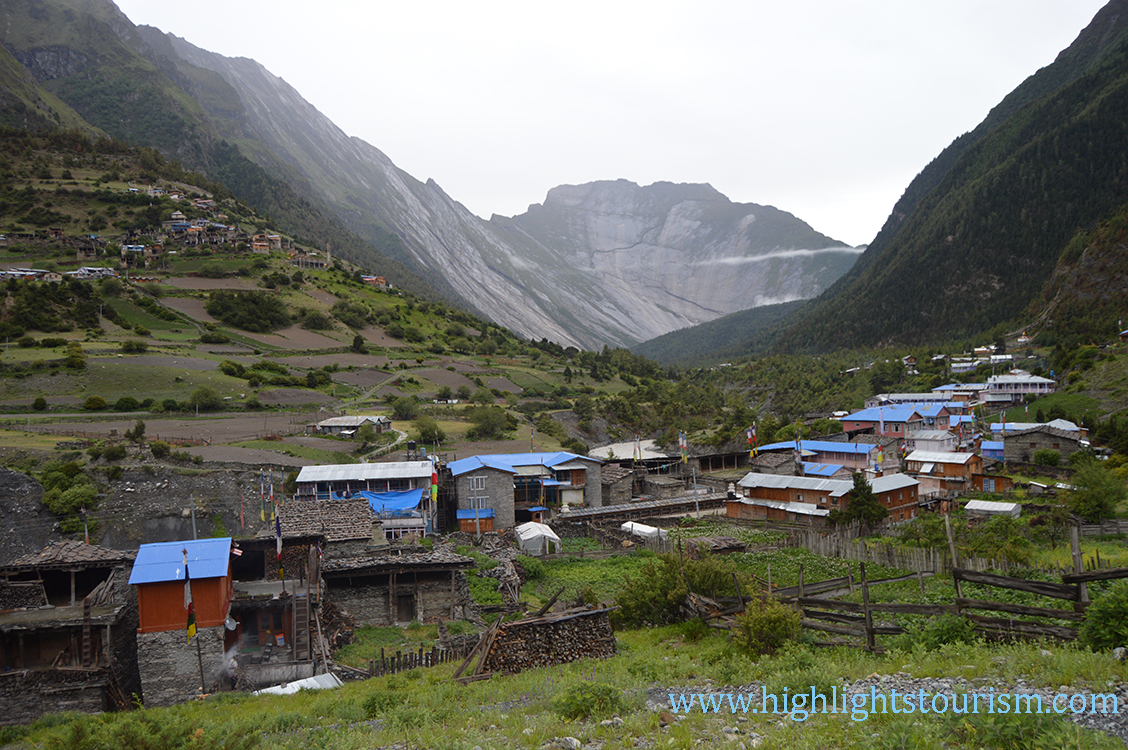 Pisang valley -seen from Manang